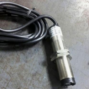 Autonics Opto Proximity Sensor M18